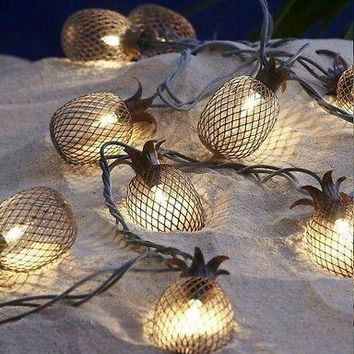 Set of 10 Metal Pineapple Shaped Lanterns String Lights