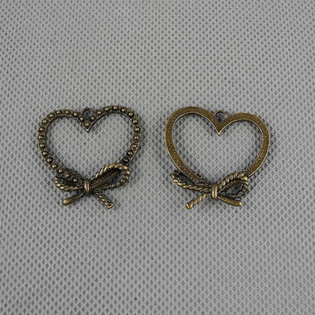 2x Making Jewellery Supply Retro DIY Alloys Jewelry Findings Charms Schmuckteile Charme 4-A2445 Love Heart Bowtie