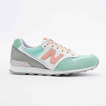 New Balance 996 Runner Trainers in Mint Pastel - Urban Outfitters