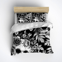 Fleece Skull Bedding - Black & White Print with Large Detailed Skull and Flower Print - Skull Bed Linen, Skull Bedding Set