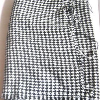 Flannel Houndstooth Black White Fabric 2 Yards