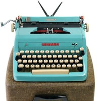 1957 Turquoise Royal Quiet De Luxe Typewriter / Original Case / New Ribbon / Working Typewriter / Excellent Condition
