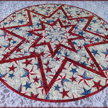 Patriotic Quilted Table Topper, Round Americana Stars on Wood, Table Decor, Red 827