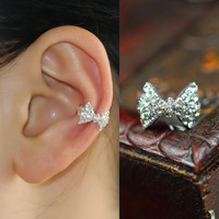 Bow ear bones clip JCAEF
