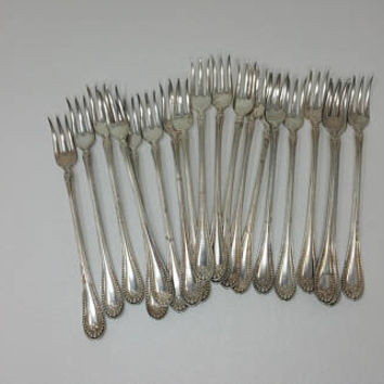 Antique Silverplate Long HandlePickle Olive Fork 1835 R Wallace Stuart Pattern Set of 19