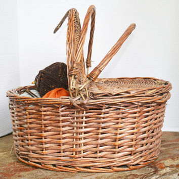 Vintage Wicker Basket with Lid, Wicker Storage Basket, Vintage Wicker Basket, Vintage Wicker Basket with Handles and Lid