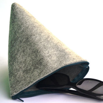 Purse triangular gray felt with colored zip / glasses pouch / mobile phone holder / clutch / gift for her / minimal / organizer