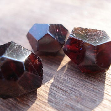 Garnets Beads - 3 Genuin Red Garnets Drilled - Drilled Polished Gemstones Lot MG615