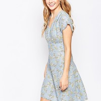 Closet Flared Sleeve Tea Dress at asos.com