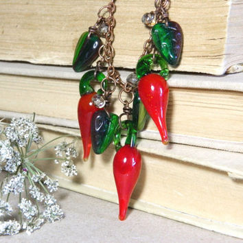 Chili pepper necklace-glass peppers jewelry-glass beads-autumn-fall necklace-glass necklace-Harvest necklace-chilli peppers-red-green-charm