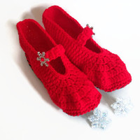 Crochet slippers, free shipping, felted sole, ballerina shoes, red and grey, house shoes, flat shoes