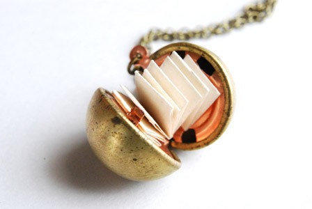 Bridesmaid Jewelry. Vintage Ball Locket Necklace. Personalized bridesmaid gifts.
