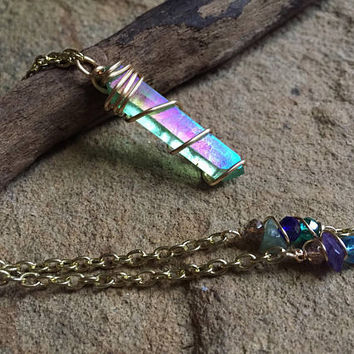 Green Aura Quartz Crystal Necklace>> Gold Wire Wrapped