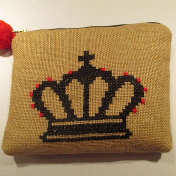 Acessories burlap pouch cross stiched embroidered with a crown, accessories pouch, handmade pouch, travel accessories pouch