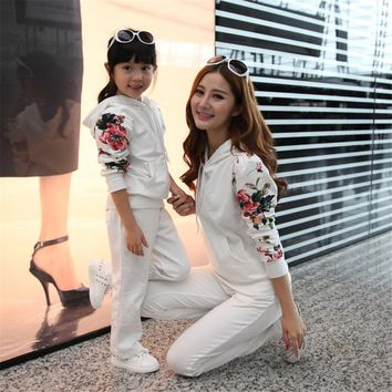 Mom and Daughter Matching Outfits Autumn Winter Fashion Print