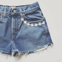 Daisy Chain High-Waisted Levis Shorts
