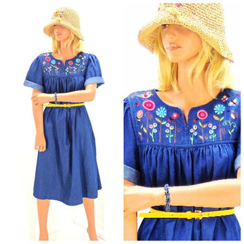 Boho denim dress / S / M / mu mu patio dress / embroidered Indie denim dress / cotton chambray smocked tent dress / SunnyBohoVintage