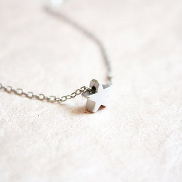 tiny star dainty necklace - delicate everyday jewelry / silver tone