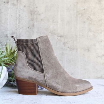 Very Volatile   Women's Raya Ankle Bootie   Taupe Suede
