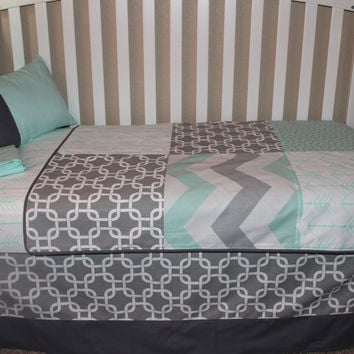 Grey Chanlink /Mint Arrow Patchwork 6 Piece Crib Bedding Set