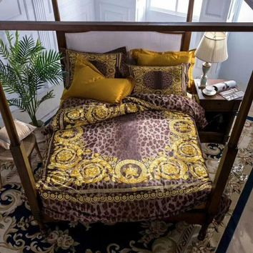 Cool High-end luxury royal french italy design rococo print medusa brand king queen size horse red green coffee wedding bedding setsAT_93_12