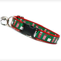 "Holiday Cat Collar - ""The Merriest"" - Holiday Gifts on Emerald Green w/ Red"
