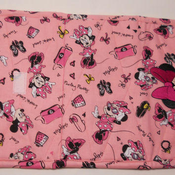 Minnie Mouse Pink Fabric Wallet / Women / Handmade / Quilted / Clutch