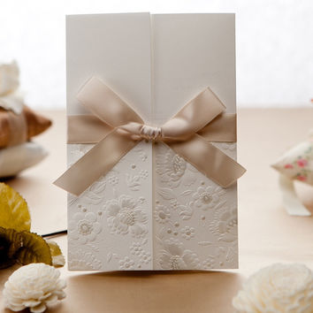 100pcs Vintage Embossed Tri-fold Engagement Wedding Invitation With Lace Bowknot,W1113