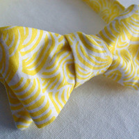 Mens Gentleman Bowtie - Wedding Accessories Formal Groom and Groomsmen - Preppy Lemon Yellow White Floral Design