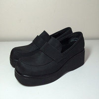 90s black platform loafers size 8
