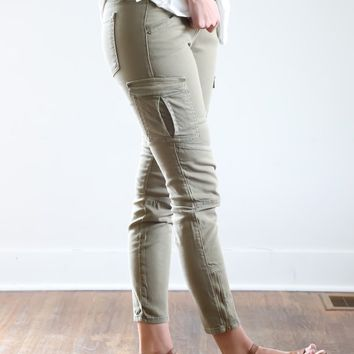 The Summer Olive Cargo Jean – Piper & Scoot