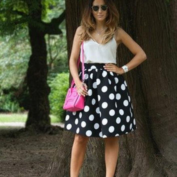 Black And White Dots Print A-line Middle Skirt