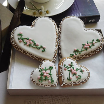 Vintage Rose Heart Cookie Gift Box Can be personalized