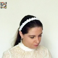 Ready to Ship! Mariage tiara, free shipping, headband, crochet, cotton, shell, white, elegant, soft, little crown