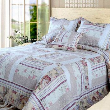 DaDa Bedding Classic Floral Blossoming Patchwork Quilted Coverlet Bedspread Set (DXJ103112)
