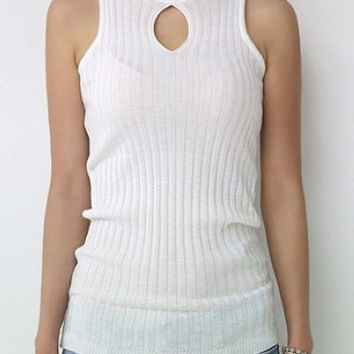 Hollow out colpus hole pure color knit tank