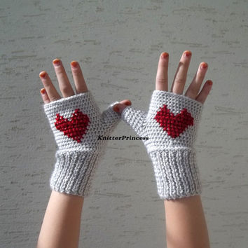 Crochet womens gloves, girls fingerless gloves, hearted fingerless gloves, gift for her, womens clothing, valentines day gift, free shipping