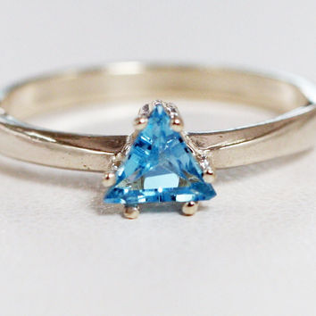 Blue Topaz Trillion Ring Sterling Silver 925, December Birthstone Ring, Topaz Trillion Ring, Blue Topaz Ring, 925 Sterling Silver Ring