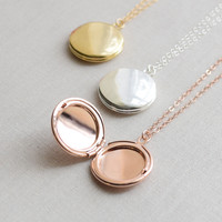 Classic Round Locket Necklace - 3/4 Inch