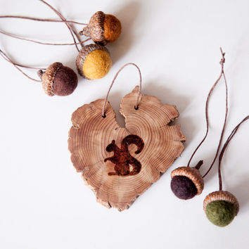 Wood Burned Squirrel on Cedar Heart.  Woodland Animal Ornament or wall hanging Squirrel with felted acorns in autumn colors