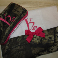 New Custom Handmade travel wipe case and burp cloth mossy oak hot pink