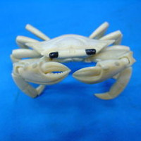 Old Japanese Hand cattle bone Carved Carving Crab figurine Beautiful Art netsuke