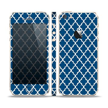 The Navy & White Seamless Morocan Pattern Skin Set for the Apple iPhone 5s