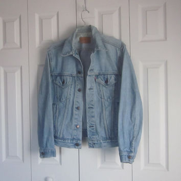 Vintage Mens Levi Jean Jacket, Levi Denim Jacket,  Made in USA,Trucker, Light Wash Denim,