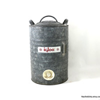 1950s Igloo Beverage Container, 5 Gallon, Galvanized Metal Cooler, Rustic Country Wedding Decor