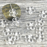 Clear Faceted Loose Flower Acrylic Beads 15mm - Jewellery Crafts Gift Wrapping Party Favors Party Supplies Weddings - Available in pairs