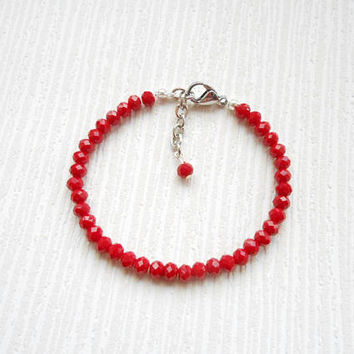 Red bracelet, friendship bracelet, beaded bracelet, gift ideas, birthday gift, Christmas gift, daughter gift, gift for her