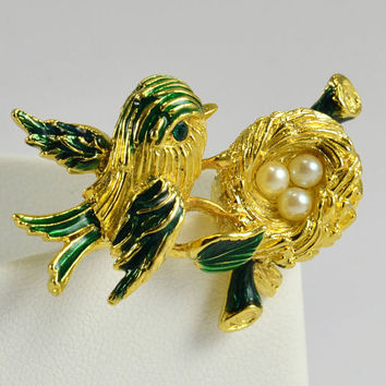 Bird Nest Brooch - Faux Pearl Eggs - Green Rhinestone Eye on Bird - Gold Tone w/ Enameled Green Highlights - Vintage