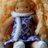 Waldorf doll - Dressable Waldorf doll - Blond doll - Blod curly hair - 22 cm - 9 inch