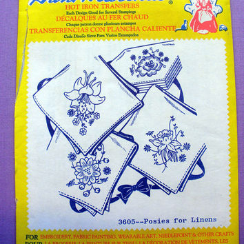 "Aunt Martha's ""Posies for Linens"" Hot Iron Transfer Pattern 3605 for Embroidery, Fabric Painting, Needle Crafts"